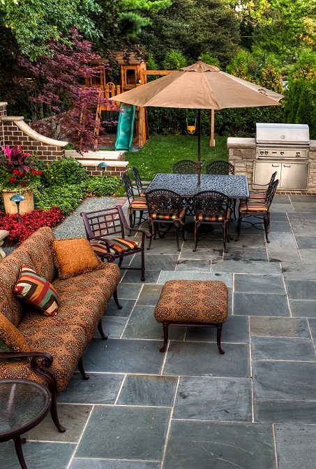 Flagstone-Patio-with-Fireplace
