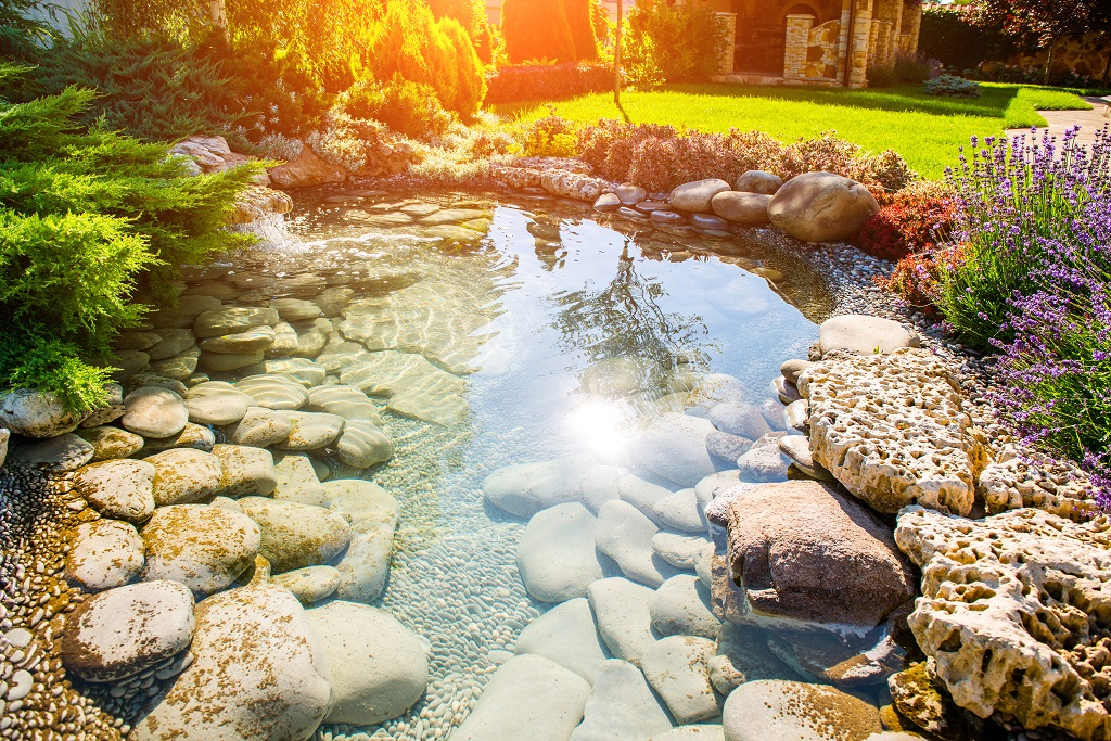 Backyard-Landscaping-with-a-Water-Feature